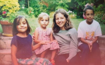A ma grand-mère, ma mère, mes sœurs et mes amies